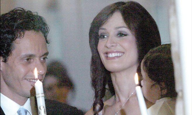 El cantante Marc Anthony y su ex mujer Dayanara Torres, Miss Universo...