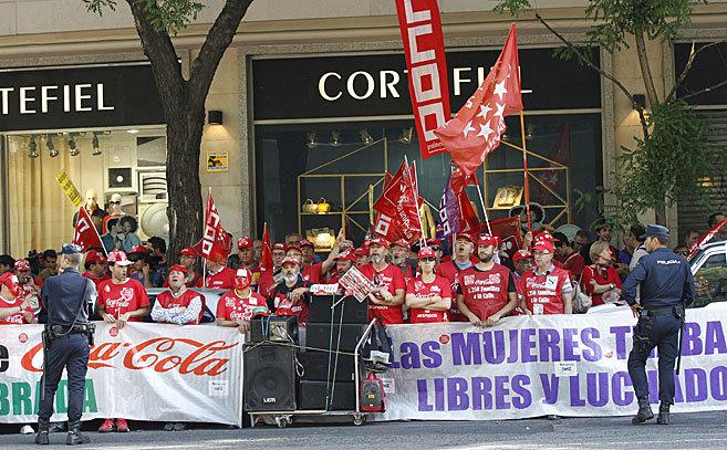 Trabajadores de Coca-Cola se manifiestan ante la Audiencia Nacional...