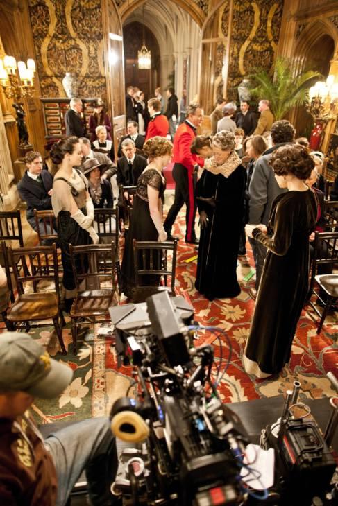 Un receso durante una jornada de rodaje de 'Downton Abbey'.