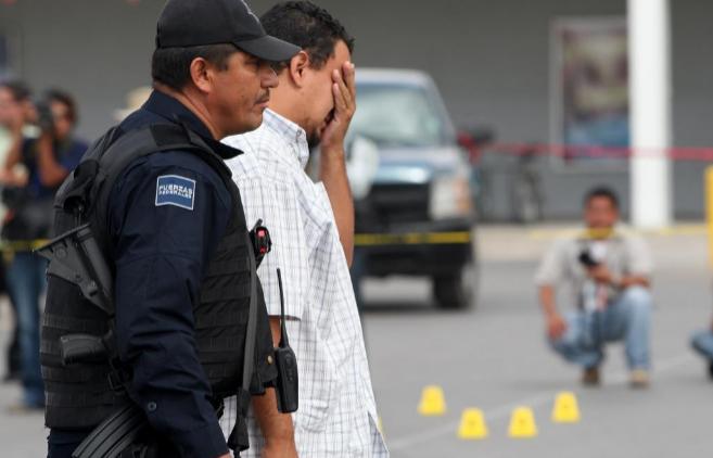 Escena del crimen del periodista Luis Carlos Santiago, asesinado en...