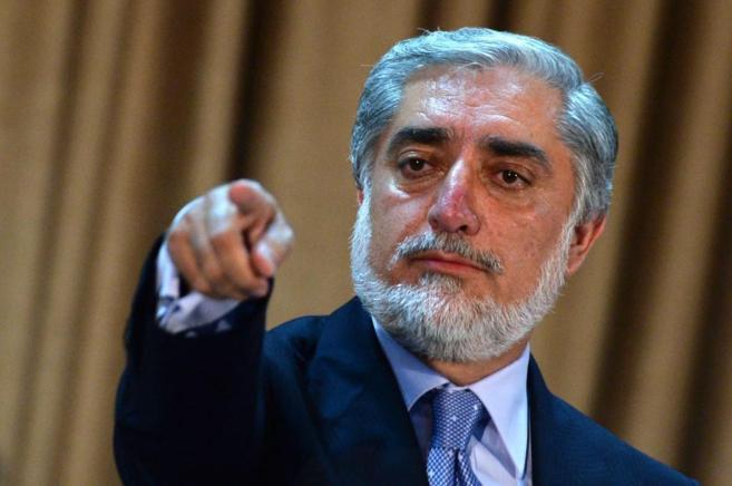 Abudllah Abdullah, durante una rueda de prensa en su residencia en...