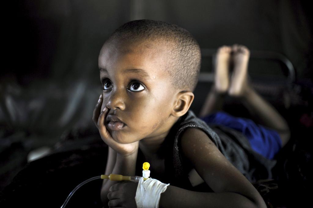 Esta imagen de la Unión Africana muestra a Mohammed, un niño somalí...