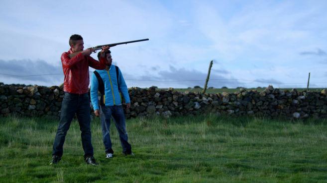 Fotograma de la película 'Ärtico' donde aparecen dos de...