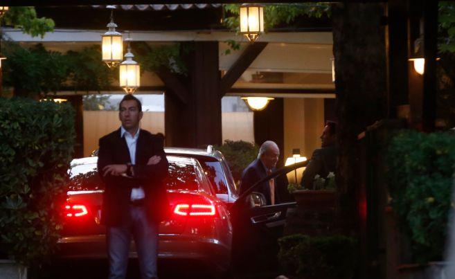 El Rey, a su llegada al restaurante Currito el pasado martes.