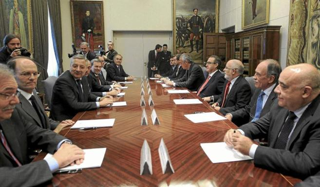El ex ministro de Fomento, José Blanco, durante una reunión con los...