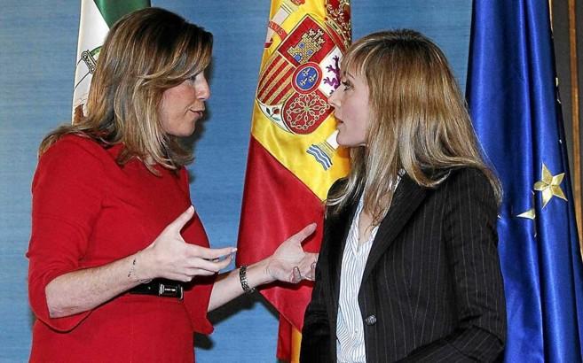 La presidenta de la Junta conversa con la líder de UGT-Andalucía,...