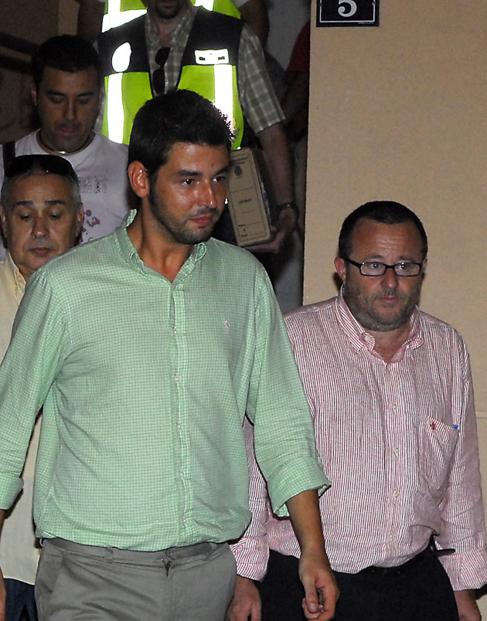 El ex director de Juventud Gálvez junto a su abogado Vidal.