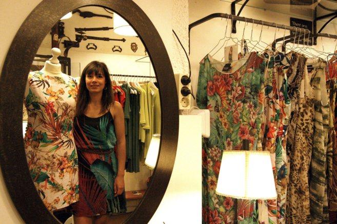 La fundadora de Iconic Barcelona, Núria Posa, en la tienda Gemma Povo...