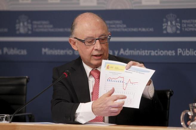 Cristóbal Montoro, ministro de Economía y Hacienda, en la...