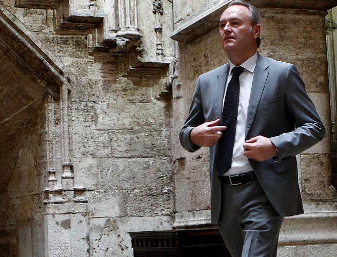 El presidente de la Generalitat, Alberto Fabra, tras reunirse con el...