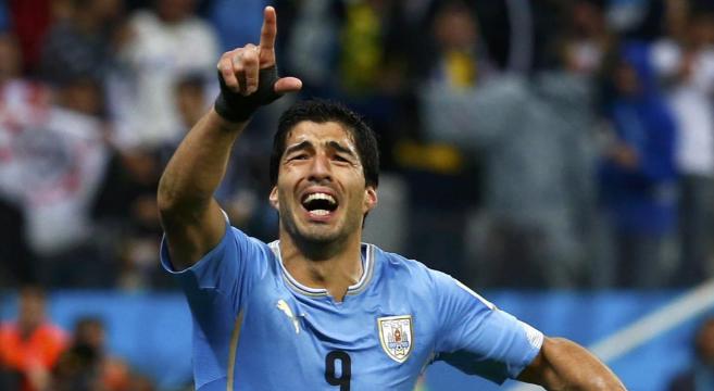 Luis Suárez celebrando un gol contra Inglaterra.
