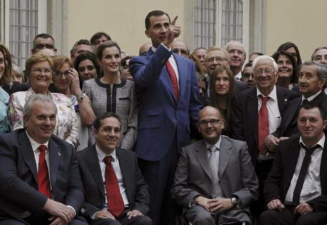 Los Reyes, con representantes de organizaciones solidarias en El...