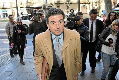 Matas acudió a declarar como imputado en el 'caso Turisme Jove' en...