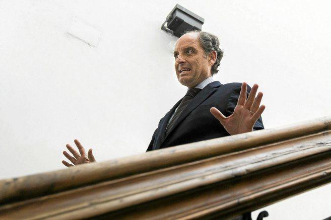 Francisco Camps, tras prestar declaración en su despacho del CJC.