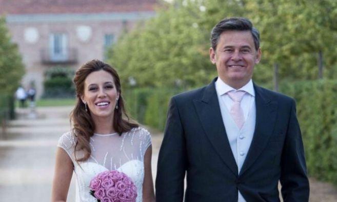 Miki Nadal y Carola Escámez, el día de la boda.