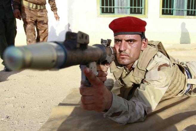 Un soldado iraquí, durante un entrenamiento cerca de Nayaf.