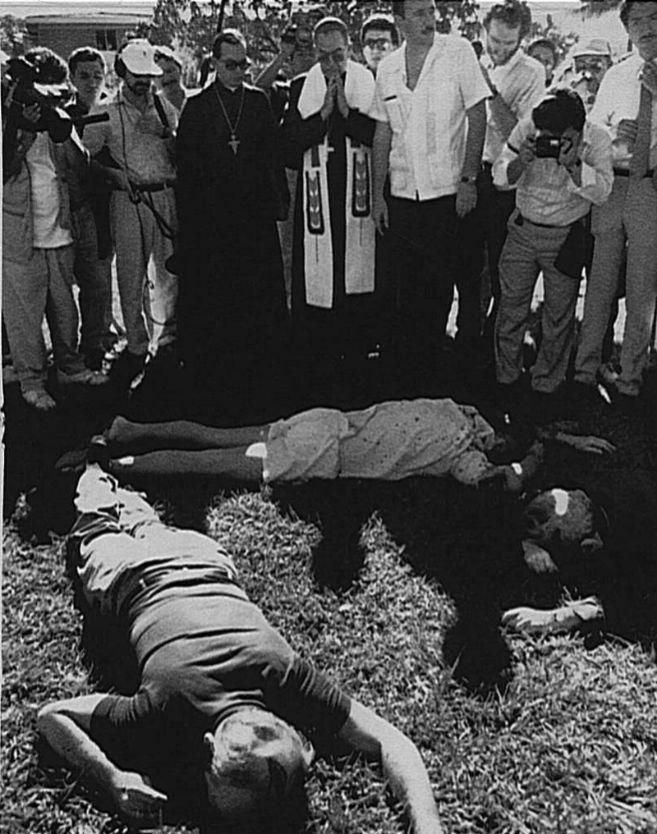 Tres de los seis asesinados en la matanza de los jesuitas, en El...