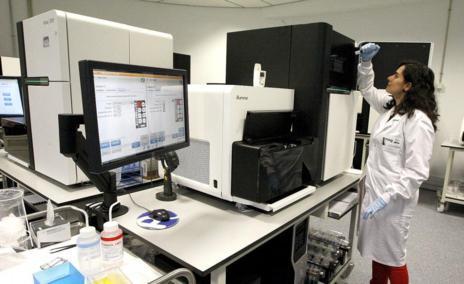 La sala de secuenciadores del CNAG.
