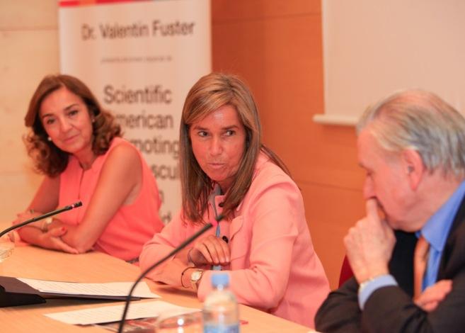 Valentín Fuster ha estado acompañado de Ana Mato y Carmen Vela (a la...