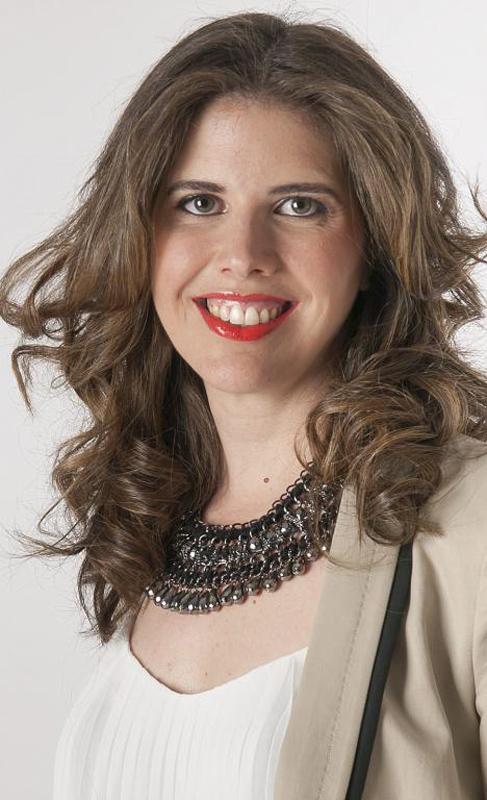 22. MARTA FERNÁNDEZ. Ejecutiva. Consultora en la multinacional KPMG,...