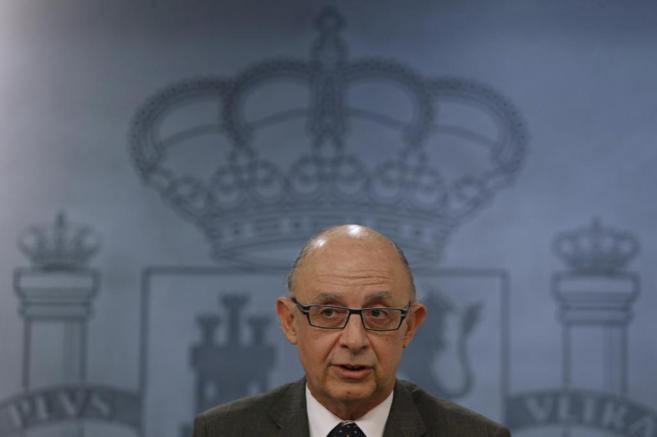 El ministro de Hacienda, Cristóbal Montoro, durante la rueda de...