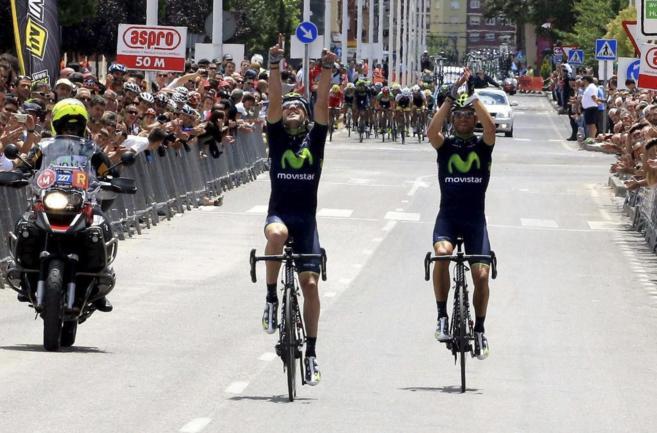 Izaguirre y Valverde cruzan la meta.