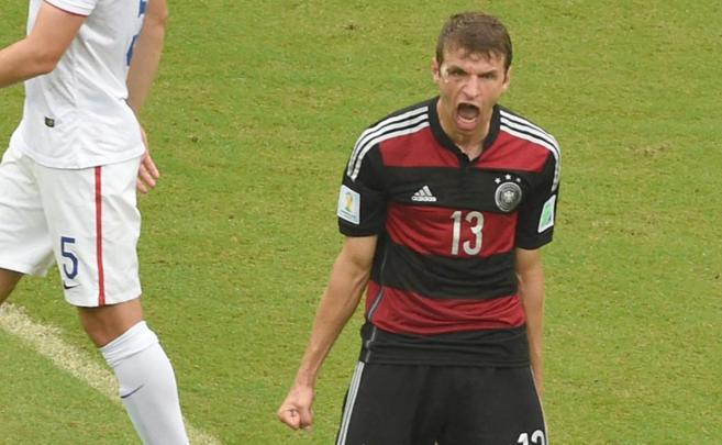 Müller celebra el gol que marcó a Estados Unidos.