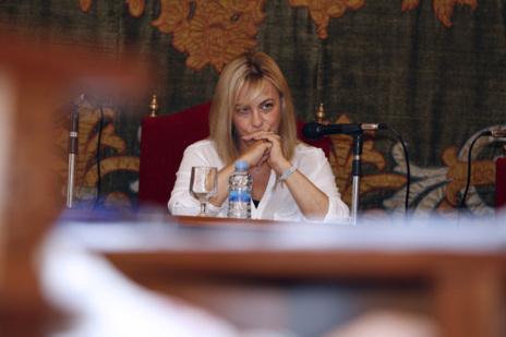 Sonia Castedo, durante una de las intervenciones de la oposición.
