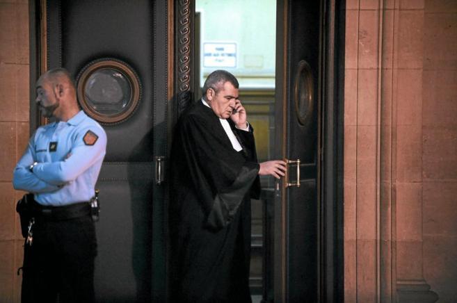 Thierry Erzog, abogado del ex presidente francés, Nicolas Sarkozy, en...