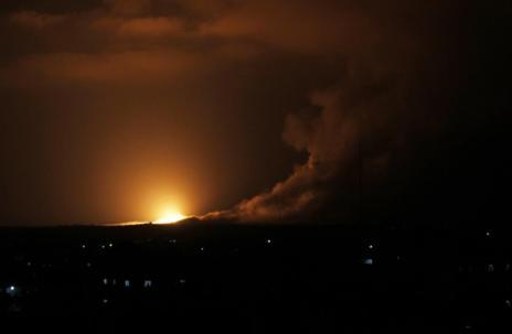 Otra imagen del bombardeo de rafah por parte de Israel.