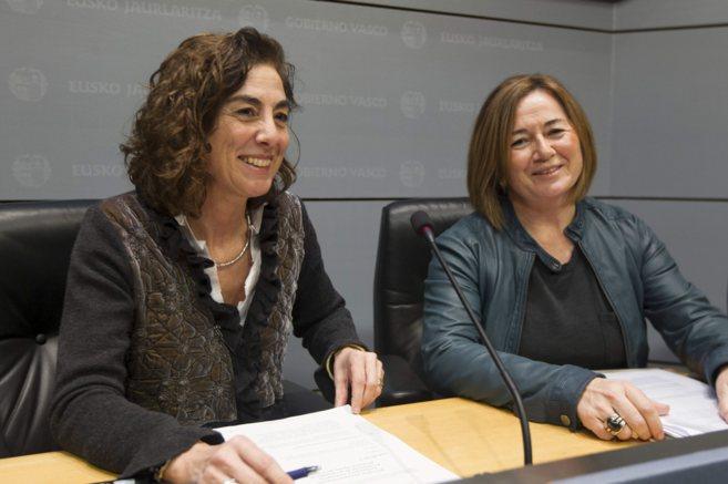 La consejera de Educación, Cristina Uriarte, y la viceconsejera...