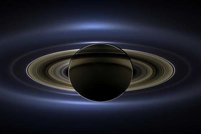 Saturno eclipsando el Sol