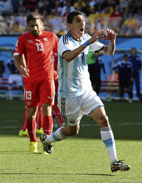 Di María celebra el gol frente a Suiza.