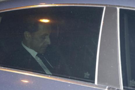 Nicolas Sarkozy abandona los juzgados en París tras ser imputado