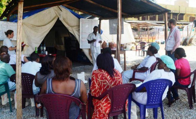Trabajadores de un hospital en Guinea Conakry