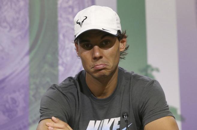 Rafael Nadal atiende a los medios de comunicación.