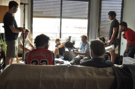El equipo 'invade' el salón de una casa.