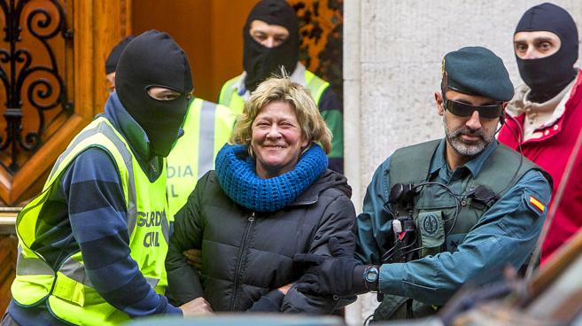 Arantza Zulueta tras su detención en Bilbao en la operación policial...