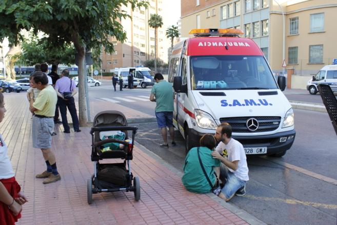 La mujer fue atendida por una SAMU y trasladada al Hospital General.
