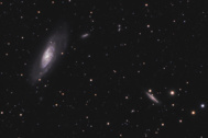 Panorama de M106 y otras galaxias próximas