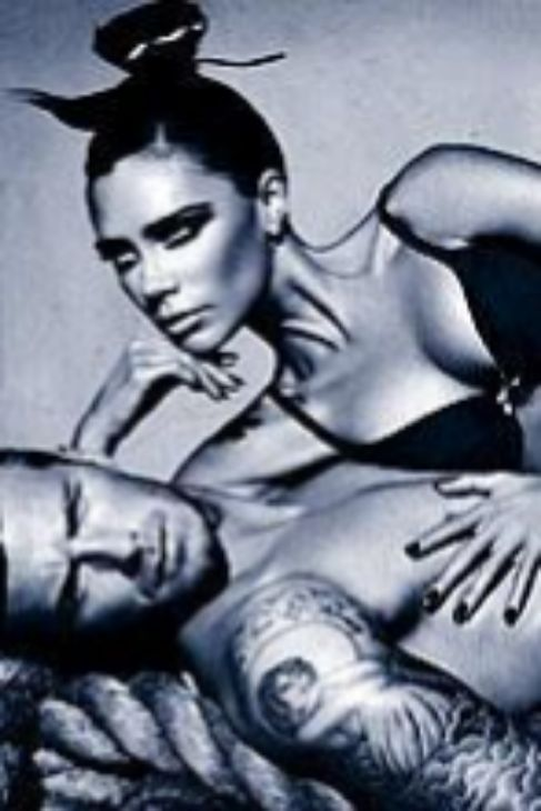 Victoria Beckham también participó en esa campaña de Emporio...