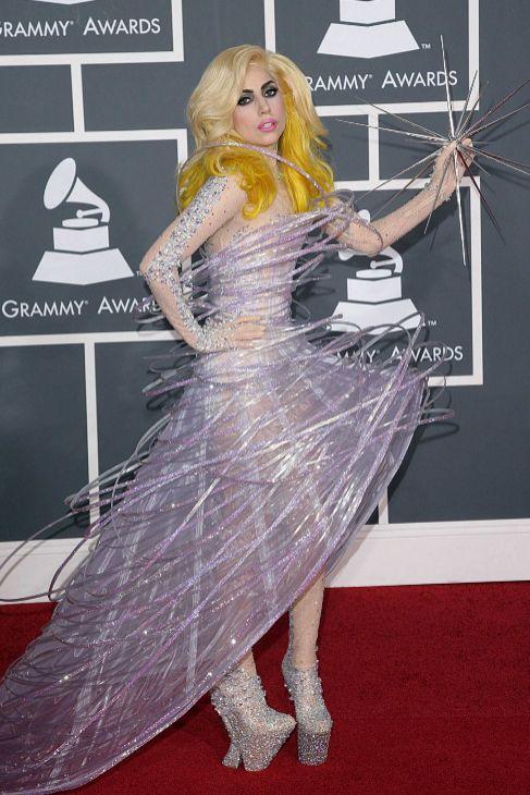 Lady Gaga, de Armani Privé, en unos Grammy.