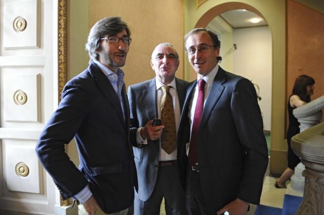 Iñaki Oyarzábal con Alfonso Alonso y Ramón Rabanera cuya campaña...