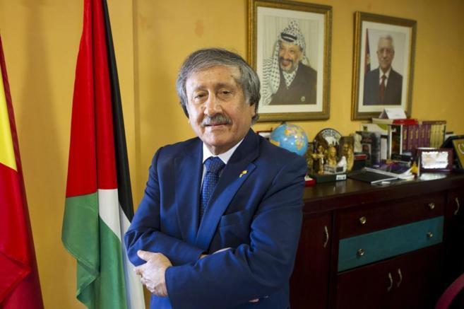 El embajador de Palestina en España, Musa Amer Odeh, en su despacho.