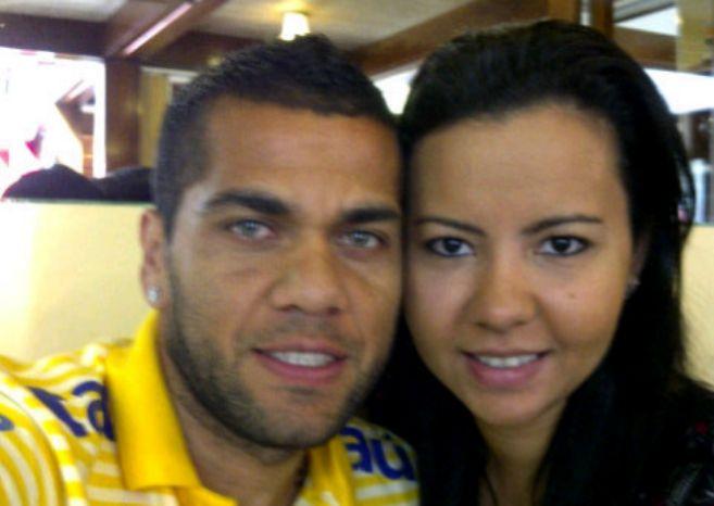 El futbolista Dani Alves y su ex mujer Dinorah Santa Ana cuando...