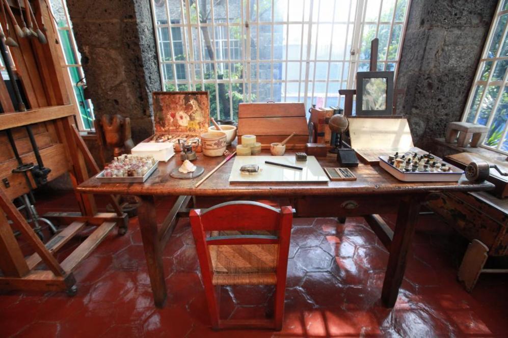 Vista del estudio de la pintora mexicana Frida Kahlo.