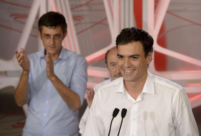Pedro Sánchez comparece tras su victoria con Madina y Rubalcaba al...