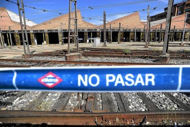 Las cocheras de Plaza Castilla se cerraron hace meses y en su lugar se...