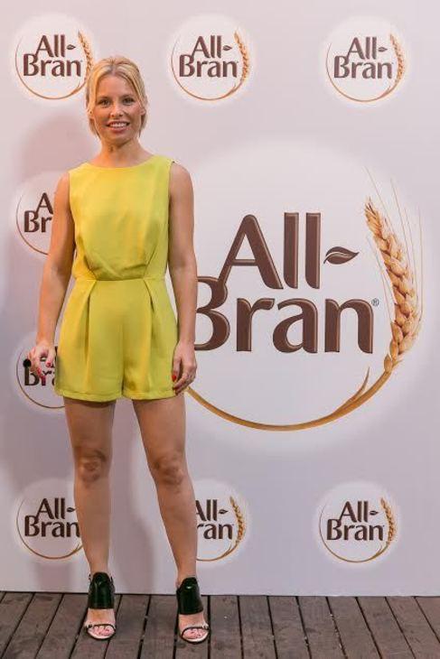 La artista Soraya Arnelas posa en el photocall de All-Bran, marca de...