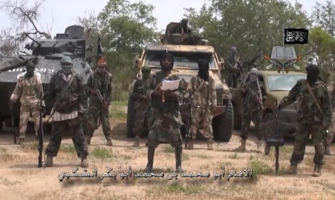 El líder de Boko Haram, Abubakar Shekau, durante un vídeo...